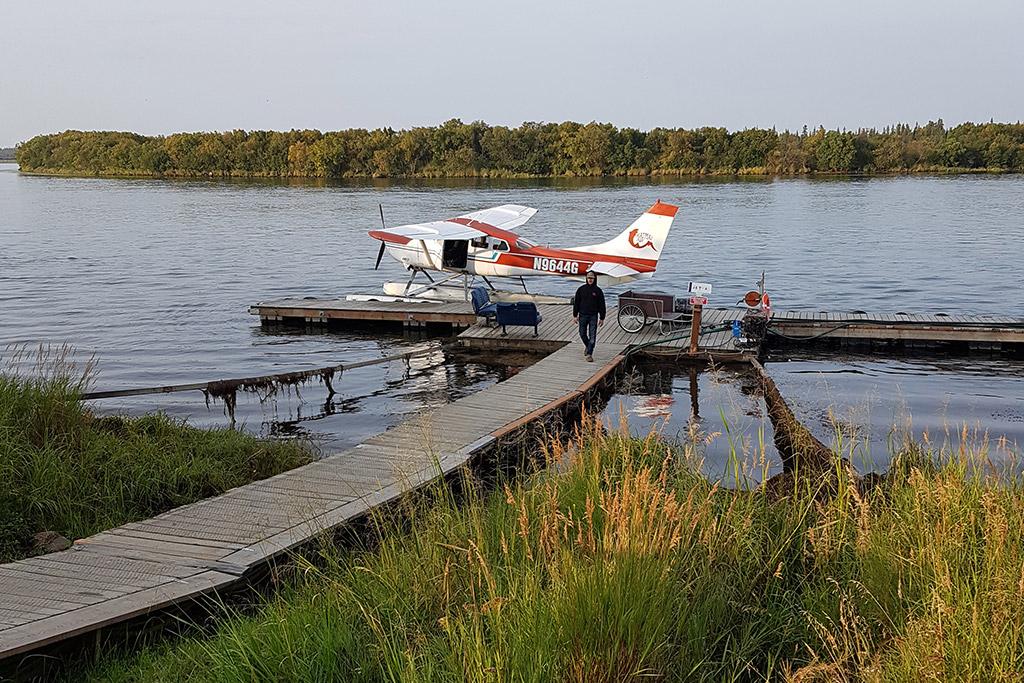 seaplane in king salmon katmai air