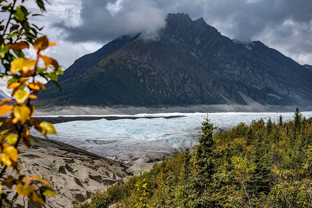 root glacier kennicott alaska in autumn colors
