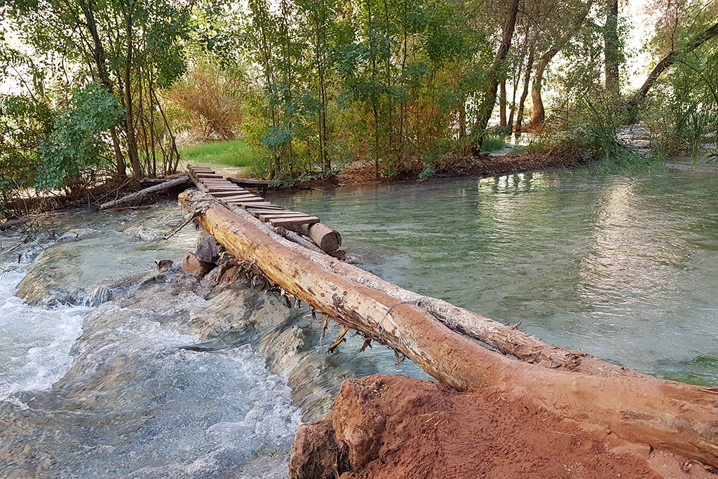 havasu falls camping river crossing