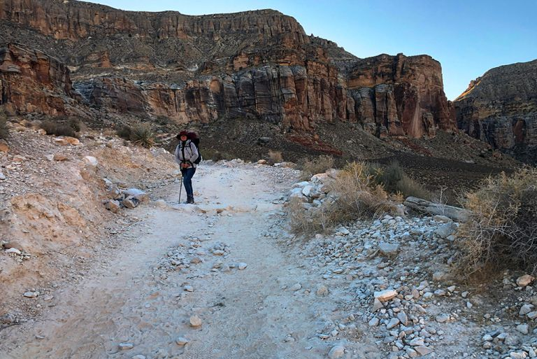 hike to havasu falls