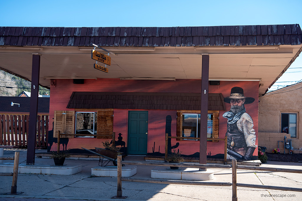 one of the old buildings in Williams Arizona