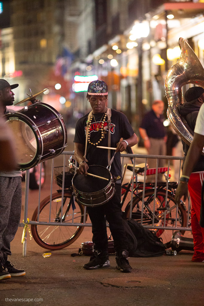 new orleans itinerary music on the street
