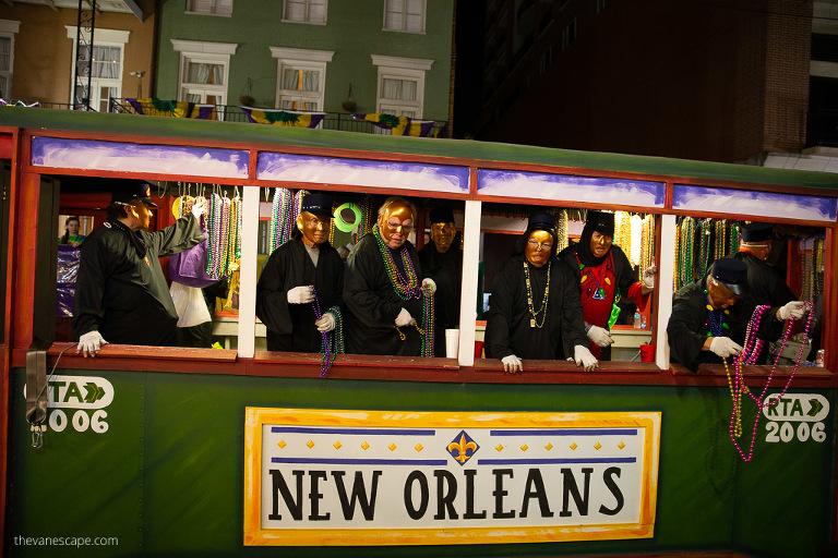 new orleans mardi gras tram
