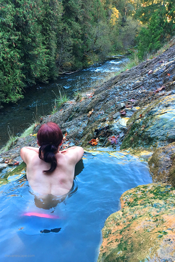 oregon road trip - umpqua hot springs
