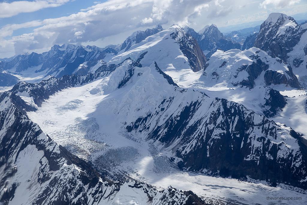 Alaska Road Trip - flight in Denali