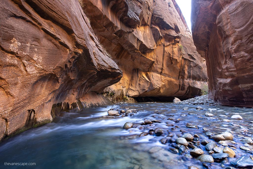 Utah Mighty 5 - the Narrows in Zion
