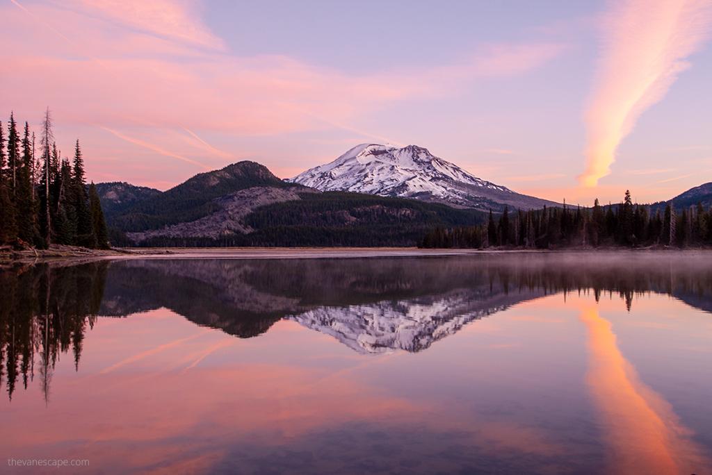 Oregon road trip itinerary - Sparks Lake