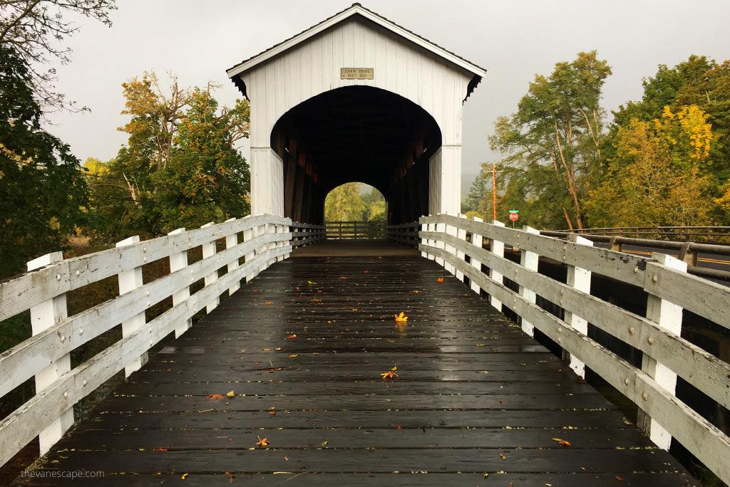 Oregon Covered Bridges - Currin Bridge