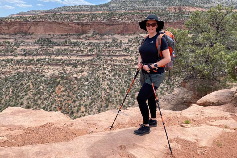 How To Choose and Use Trekking Poles?